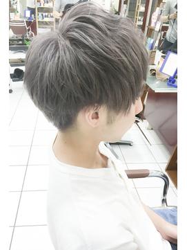 韓国マッシュツーブロックヘアハンサムショートシルバーカラー