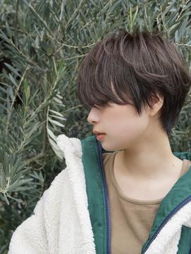 前髪長めハンサムショート