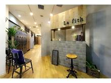 ラフィス ヘアー ホーム JR尼崎店(La fith hair Home)の詳細を見る