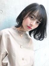 st748_透明感ヘルシーレイヤーイルミナカラー黒髪ベリーショート.14