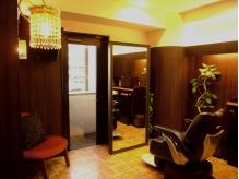 フルフラットのYUMEシャン&個室で落ち着いた雰囲気が大人気♪本物志向の女性が通うHair&Spa BiRTHDAY。