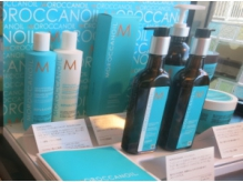 モロッカンオイルなどヘアケア剤も多数取り扱い有。