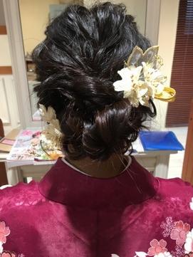 大人っぽいゆるふわまとめ髪(3)