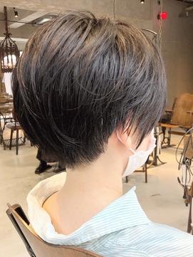 20代30代40代 人気の黒髪ツーブロックショート【ROJITHA】