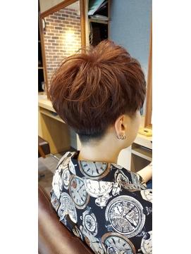 刈り上げマッシュレイヤーの涼しげヘア