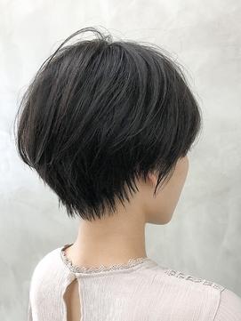 大人かわいい丸み黒髪ふんわりショートボブ<徳竹>