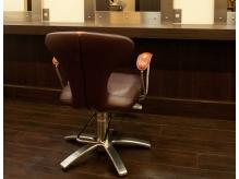 椅子はイタリアの超一流ブランド「カッシーナ」を使用しています