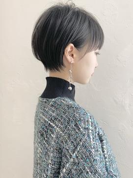 耳掛けショート/大人可愛い/ショートボブ/ハンサムショート/江角