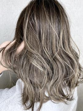 ハイライト×スモーキーモカブラウン 美髪