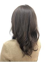 [六町/1分]お客様の理想に合わせて選べるグレイカラーで、髪のダメージが気になる方も納得して染められる☆