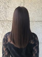 植物由来成分100%のヘナ&オーガニック成分配合のカラーにより従来よりも髪に優しく作用します!