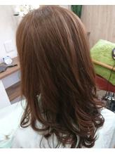 上品な巻き髪スタイル.46