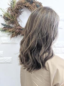 白髪染めをしない明るめカラー