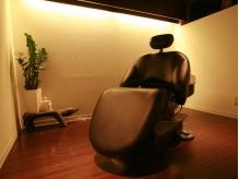 【ショートヘッドSPA+カット¥6000】贅沢で落ち着いた優雅な時間と空間で、ワンランク上の気分が味わえる