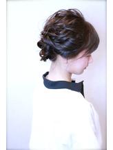 ふんわりまとめ髪ヘアアレンジ.4