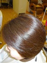 特許取得の特別な薬剤を使用。カラー後、スタイリング剤を使わず実現するツヤ髪の《エンジェルリング》♪