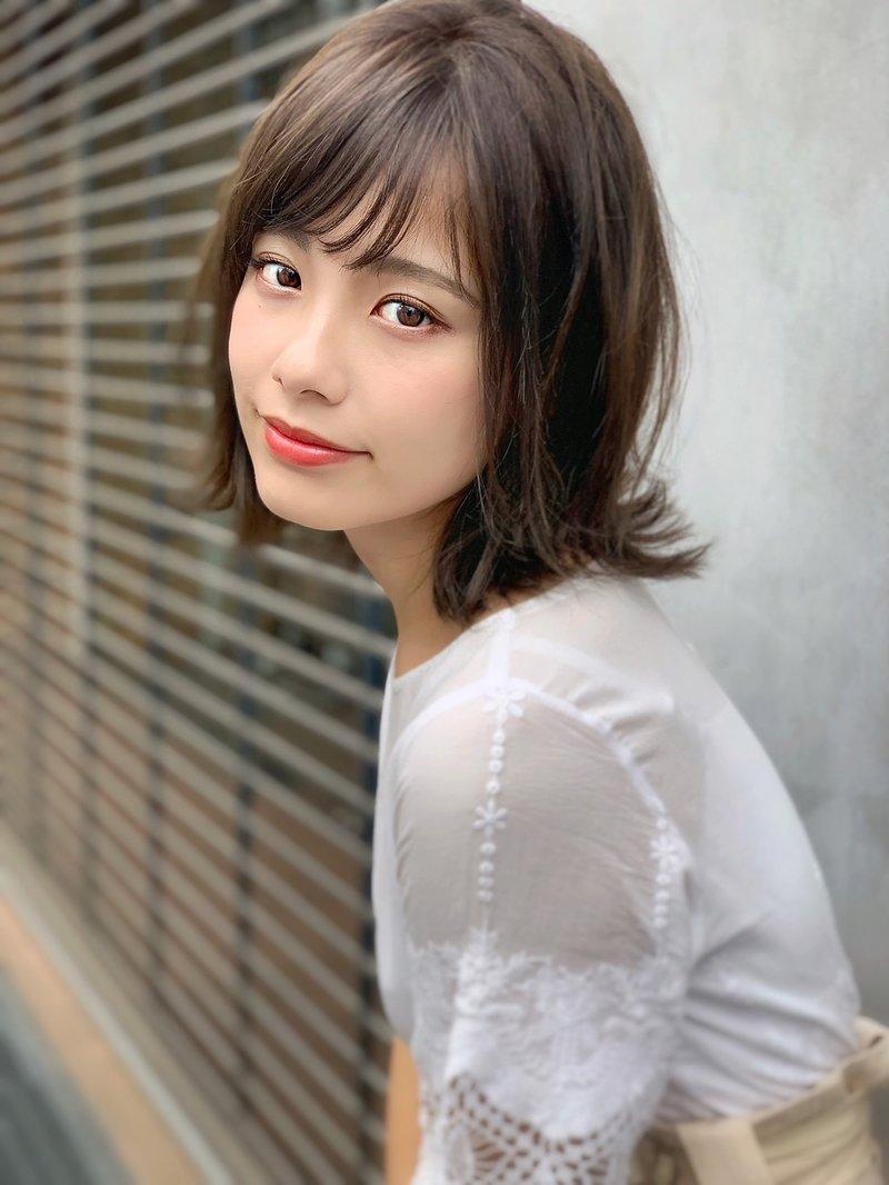 【エラ張り顔】に似合う髪型とは?ショート〜ロング、ベース顔を小顔に見せるヘアスタイル集