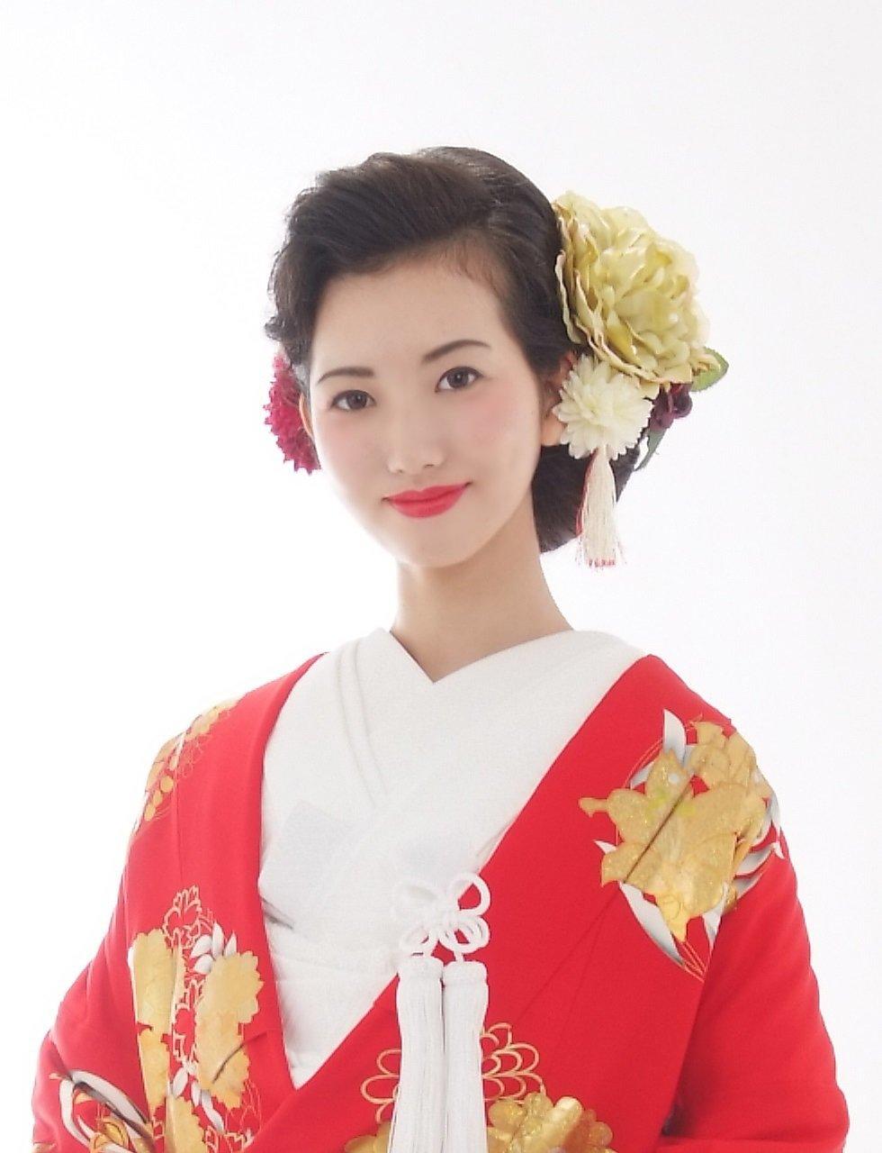 花嫁さん向け髪型特集♡ウェディングドレス・着物に映える結婚式のヘアスタイルまとめ