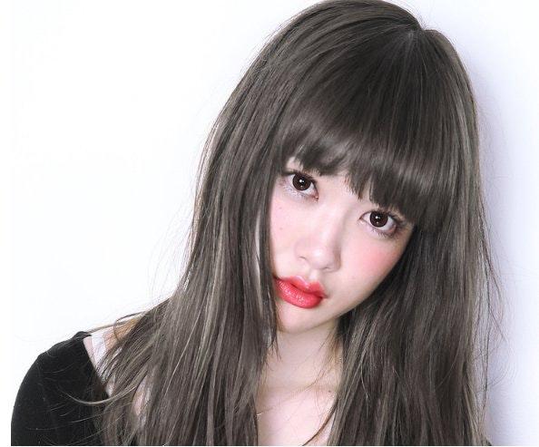 透け感たっぷりのヘアカラー「グレーブラウン」で繊細な魅力を演出しようのサムネイル画像
