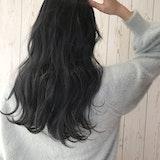 【2021年】旬のネイビーアッシュのヘアスタイル♡透明感&こなれ感たっぷりな大人髪にチェンジ
