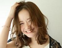 【保存版】ミディアムヘアでかわいい&大人っぽい女性に。自分に似合うミディアムが見つかるカタログ!