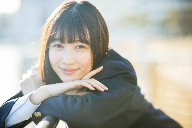 女優・岡本夏美インタビュー「20歳になって変わった。髪を切ったような感覚でした」のサムネイル画像