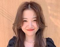 【ショート〜ロングまで】韓国女優風!セクシーかきあげ前髪スタイルの作り方