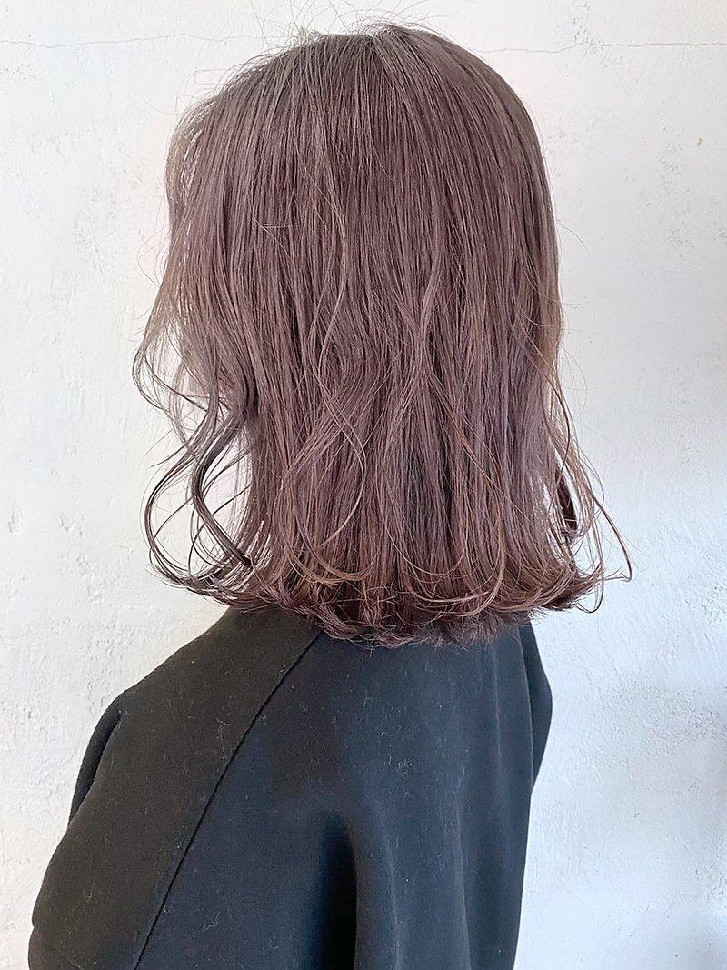 髪 ピンク 色 ベージュ ピンクベージュの髪色23選!ブリーチ無しで出来るヘアカラー画像も!明るい&暗い