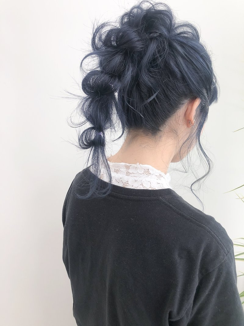 【sai】ネイビーブルー変化ポニー