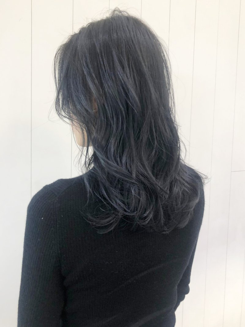 ブラック ヘア カラー ブルー
