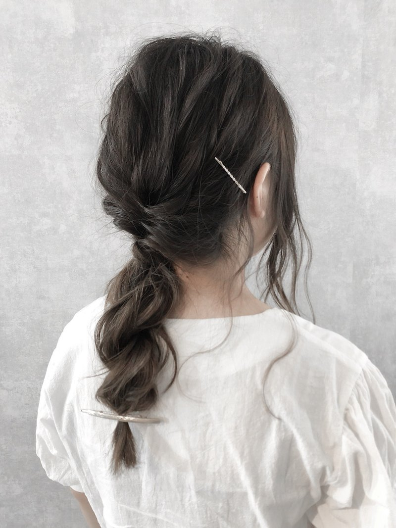 【iIIL hair lounge】大人シンプル上品ポニーテール 高崎