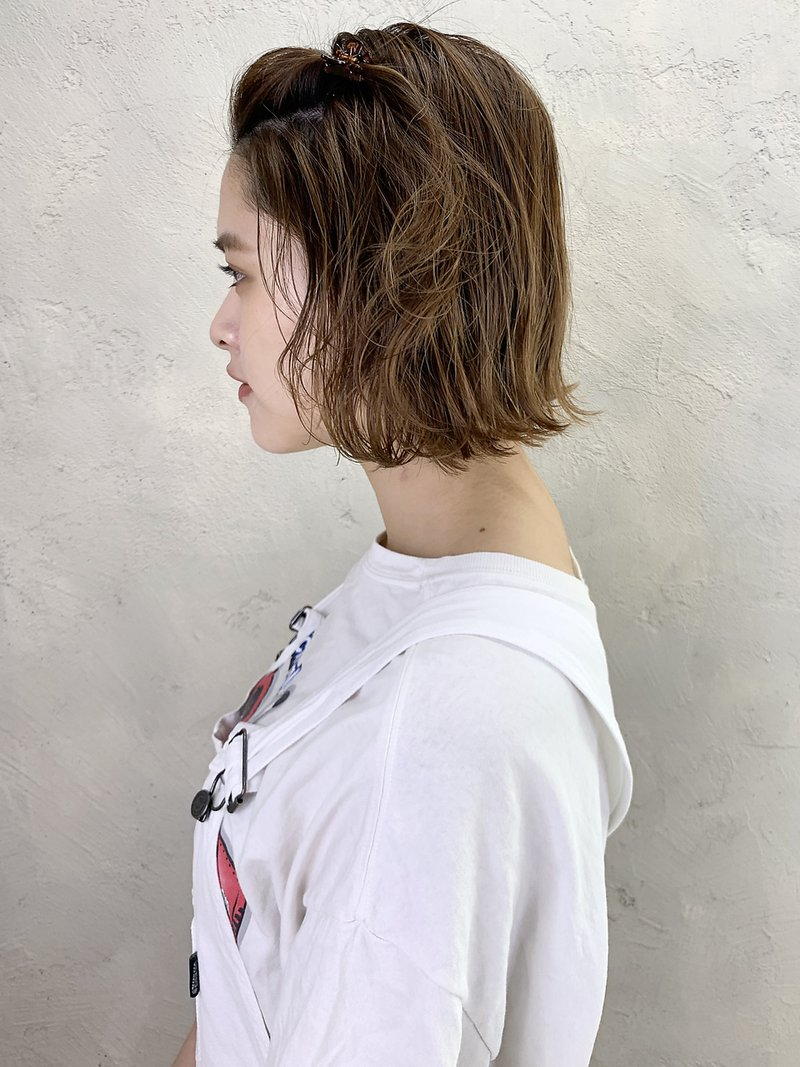 前髪アレンジ_厚めバングローライトスリークボブ_97221