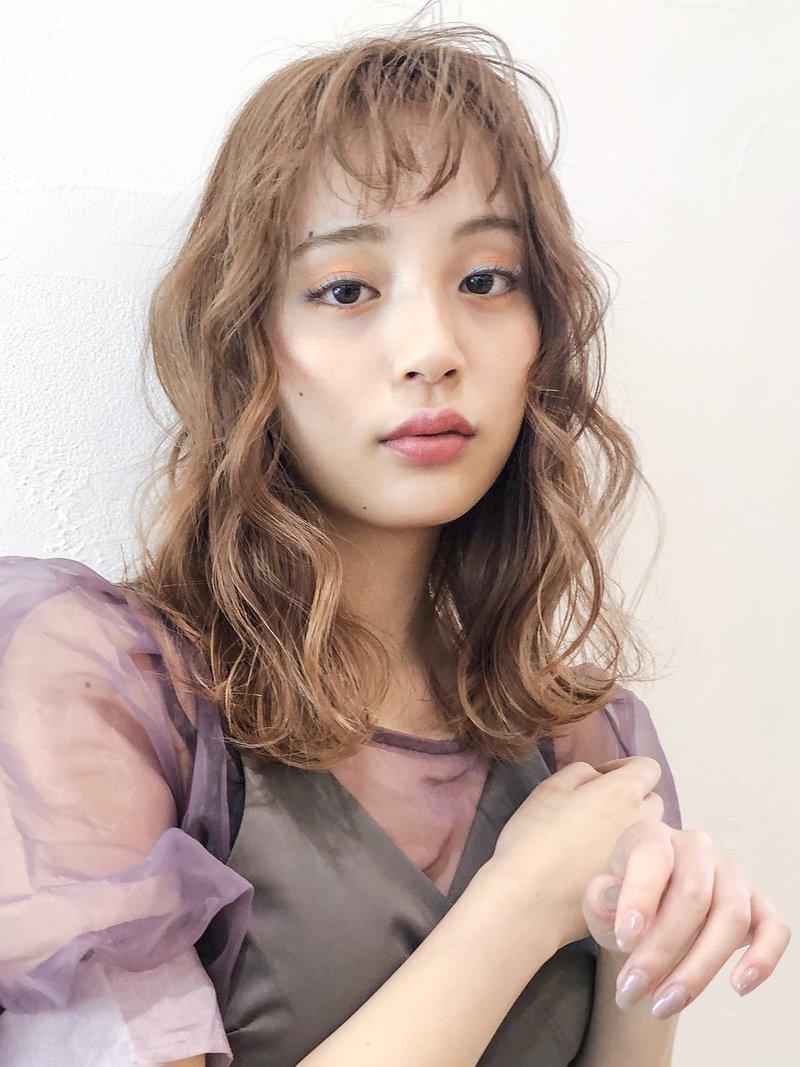 韓国アイドル風波巻き_ハイライトカラーオリーブカラー_48002