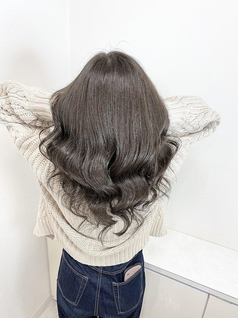美髪艶巻き透明&透け感濃いめアッシュグレージュ【BLAZE 大庭】