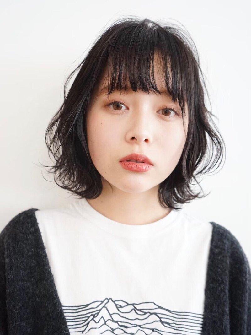 フレンチボブ/フェミニン/美髪/ネイビーカラー/ゆるふわ
