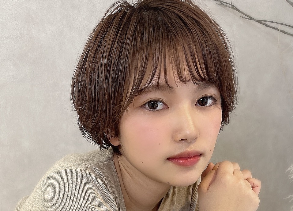 【丸顔さんに似合う髪型】2021年最新スタイル大特集!顔型を知って自分らしいヘアになろう♡