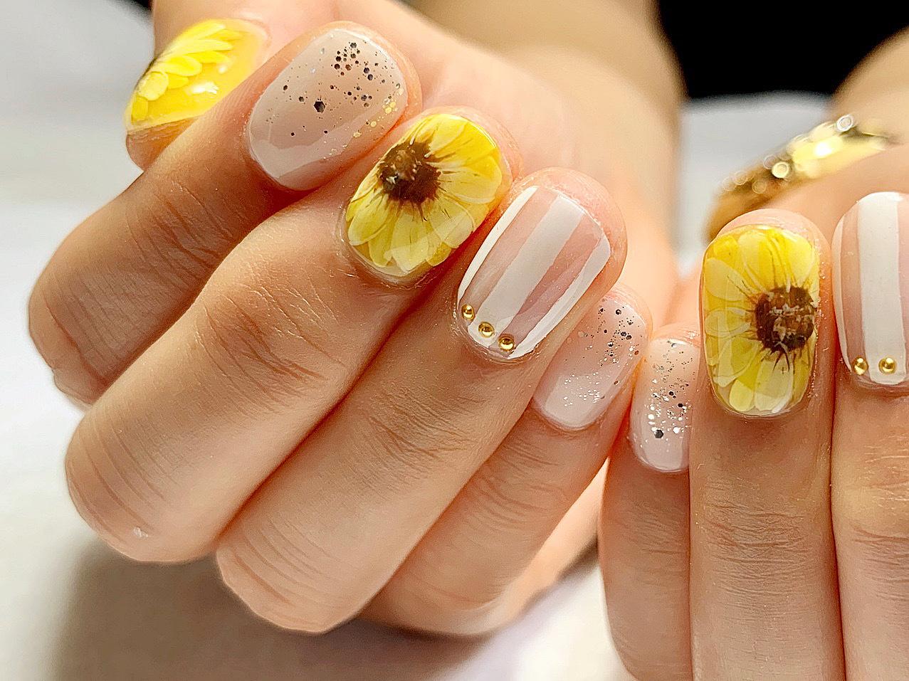 夏のビタミンカラー向日葵ネイル