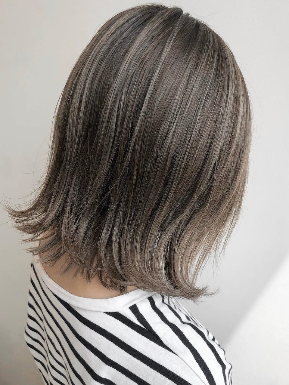 くびれ/イメチェン/ラベンダーカラー/イヤリングカラー/前髪